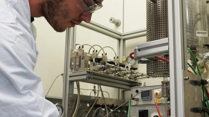 Versuchsreaktor in der Katalysatorentwicklung, RWTH am Institut für Technische und Makromolekulare Chemie von Frau Prof. Palkovit